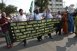 Dow_Chemical_banner,_Bhopal